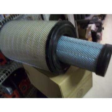 Genuine Ecuador  Komatsu  Inner And Outter Air Filter Kit Part Number  600-185-5100