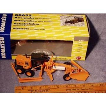 Komatsu Hongkong GD655 DOT Grader w/Snow Plow & Wing First Gear 1/50 NIB