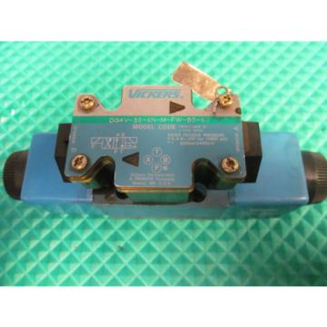 Vickers Malta  Hydraulic Valve For Parts Only DG4V-3S-6N-M-FW-B5-60 FREE SHIPPING